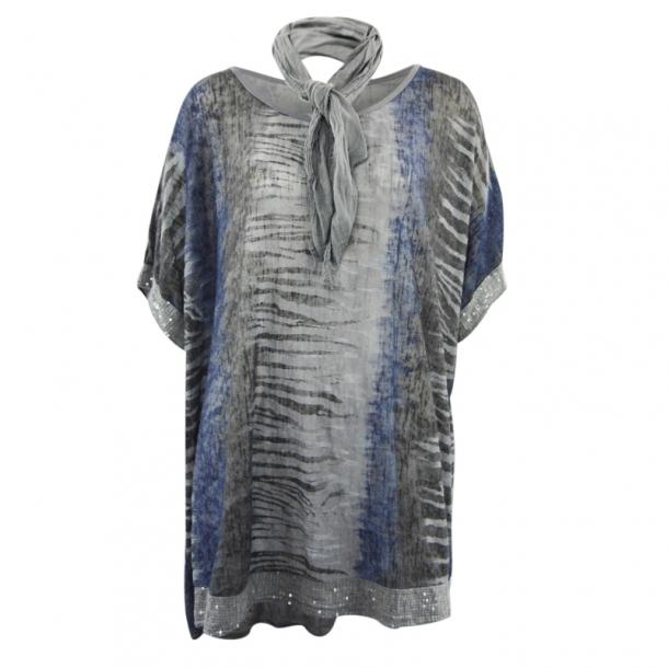 Bluse med tørklæde